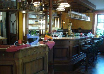 Schankbereich der Tratorria Garibaldi in Pöcking aus einem anderen Blickwinkel